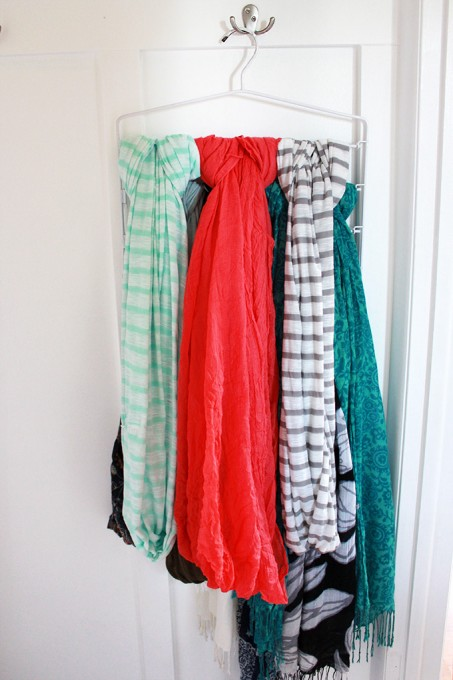 small bedroom ideas - pants hanger for scarves