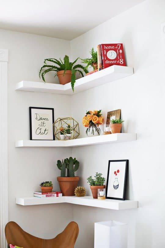 small bedroom storage ideas - floating shelves