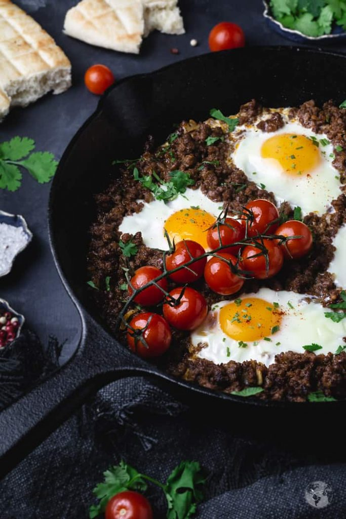 Brunch recipe - Bosnian Minced Meat and Poached Eggs