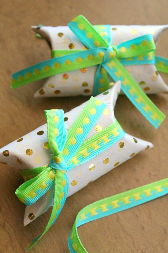 paper towel roll crafts - Pillow box