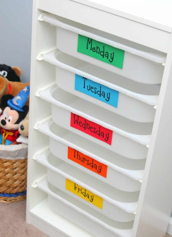 organize kids room -Weekly outfit organizer