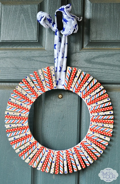 decoration for 4th of July - Washi tape wreath